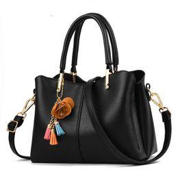 $enCountryForm.capitalKeyWord Australia - good quality Vintage Leather Ladies Handbags Totestassel Designer Crossbody Shoulder Bag Women Messenger Bags Boston Hand Bag Hot Sale