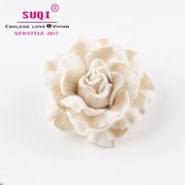 $enCountryForm.capitalKeyWord NZ - fashion Charms Quality Imitation wool Fabric Rose Flower Brooches pins for Women's Costume Accessories coat Big Brooches jewelry Ornaments