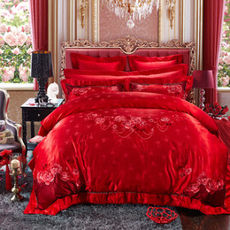 Beautiful Modern Bedding Australia - Svetanya Embroidered silk jacquard Wedding King Size Bedding Sets cotton Noble Beautiful Flowers Red Bedlinens