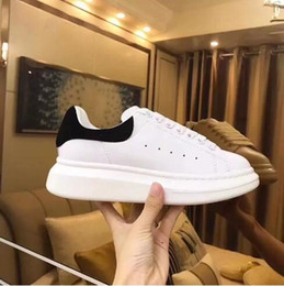 Wholesale 2019 Luxury Designer Men Women Sneakers Cheap Best Top Quality Fashion White Leather Platform Shoes Flat Casual Party Wedding Shoes With Box