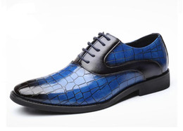 designer shoe lace pattern NZ - New Luxury Crocodile Pattern Men Leather Shoes Lace-up Designer Business Casual Leather Shoes Men Formal Wedding Party Shoes da06