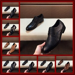 chains for dresses Australia - 2019 New Sell Italian Designer Mens Dress Shoes Men Luxury Loafers Doug Shoes For Male Man Point Toe Dress Shoe Casual Shoes