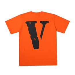 Oil shirt online shopping - 69s vlon street fashion brand retro oil painting graffiti arrow letter printing men and women T shirt lovers short sleeved sweater coat