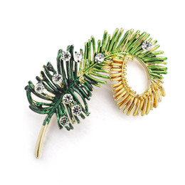 $enCountryForm.capitalKeyWord NZ - Nice Fashion Leaf Brooch Pin Crystal Rhinestone Feather Leaves Brooches For Women Sweater Dress Jewelry Accessories