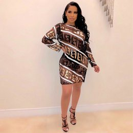 Venta al por mayor de Diseñador de letras FF Vestidos para mujer Vestidos de lentejuelas atractivas Granadina Vestidos para mujer Perspectiva Ropa para mujer casual