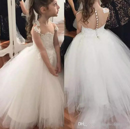 $enCountryForm.capitalKeyWord NZ - 2019 Romantic Off the shoulder Cheap Flower Girls Dresses For Wedding Bride Illusion Lace Tulle Champagne Designer Kids Dresses
