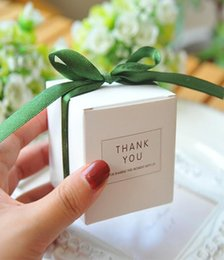 $enCountryForm.capitalKeyWord Australia - European Simple Atmosphere White Square Candy Boxes Wedding Party Supplies Gift Packing Box Baby Shown Favors Gift Bag
