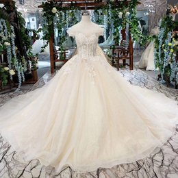 lebanon wedding dress 2019 - 2019 Latest Lebanon Wedding Dresses Off The Shoulder Feather Sweetheart Neck Short Sleeve Lace Up Back Pearl Sequins App