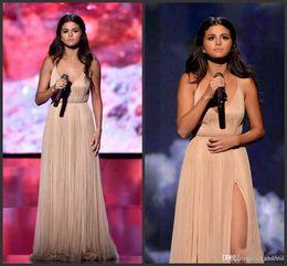 $enCountryForm.capitalKeyWord NZ - 2019 New American Music Awards Selena Gomez A-Line V-Neck High Split Formal Evening Celebrity Dress Backless Long Champagne Prom Dresses
