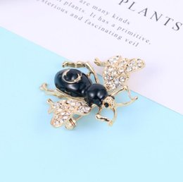 $enCountryForm.capitalKeyWord Australia - Fashion new cute little bee brooch women's jewelry simple coat pin decoration clothing accessories