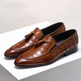 Ingrosso 1Estate 2019 Scarpe da uomo in pelle Scarpe eleganti da uomo Scarpe da uomo di marca Bullock Scarpe da uomo in vera pelle con nappine nere in vera pelle nera