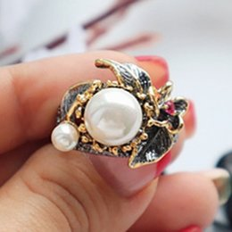 Cluster Rings For Womens Australia - 2019 vintage womens ring pearl leaf flower Luxury jewellery best birthday gift for wife elegant party jewelry rings