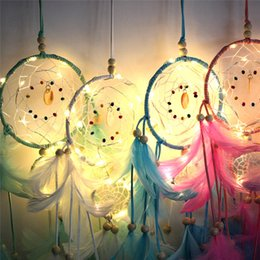 Dream Catcher Led réseau plume Accueil rêve receveur suspendu la main Night Light Cute Girls Paroi lumineux Décoration A52209 en Solde