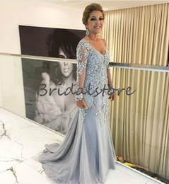 Vintage Lace Mother Bride Canada - Bohemian Dusty Blue Mother Of Bride Dresses Mermaid V Neck Lace Long Sleeves Prom Dresses Evening Wear Vintage Groom Mom outfits prom dress