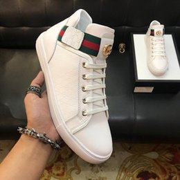 $enCountryForm.capitalKeyWord NZ - Hot Italy Luxury Casual Shoes Men and Women Low Flat Shoes Genuine Leather Men Shoes Designer Sneakers Trainers
