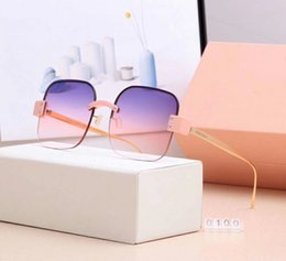 $enCountryForm.capitalKeyWord NZ - Fashionable Woman Designer Sunglasses Luxury Sunglasses Adumbral Goggle Brand Driving Sun Glasses Style 0100 6 Colors High Quality with Box