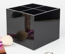 Wholesale 2019 CC Classic Acrylic 4 gridWomen Makeup Tools Holder Cosmetic Brush Bucket Beauty Pen Storage Box Beauty Case With Gift Box