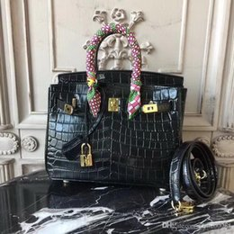 green handbags Australia - ZXC35CM 30CM 25CM 2018 Big Brand Totes Shoulder bags With Lock luxury women Lady Cowhide Alligator Genuine leather Fashion Handbag wholesale