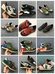 $enCountryForm.capitalKeyWord NZ - New shoes [Original Box] Fashion Stud Camouflage Sneakers Shoes Footwear Men,Women Flats Luxury Designer Rockrunner Trainers Casual Shoes