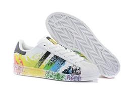 Cheap Wrestling Boots NZ - 2019 Cheap Superstar White Hologram Iridescent Junior Superstars Sneakers Super Star Women Men Sport Running Shoes 36-45