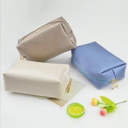 Wholesale Fashion portable cosmetic bag Simple Shoecustomizable bags Travel Wash bag Dust of finishing Customized logo Home Furnishing