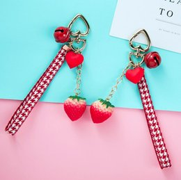 strawberry key Australia - Cute girl heart simulation play small strawberry baked sweet potato keychain AirPods pendant couple car key small flower ph