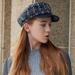 5a6f0d2ba8351 2019 European and American fashion autumn and winter classic mixed color hat  ladies retro flat top naval beret