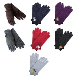 $enCountryForm.capitalKeyWord UK - New Fashion Elegant Female Wool Touch Screen Gloves Winter Women Warm Full Finger Leather Bow Dotted embroidery Gloves