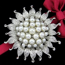 sun brooch Australia - Korean version of the hot fashion pearl brooch alloy brooch pin sun flower silk scarf buckle water drill brooch