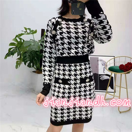 $enCountryForm.capitalKeyWord Australia - Houndstooth pattern two-piece skirt set 2019 new early autumn bag hip skirt Knitted shirt Celebrity temperament 8162065