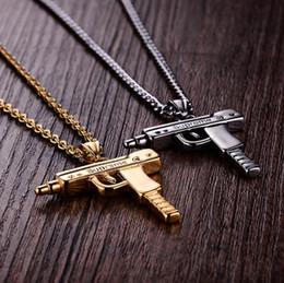 75e73171ab29 Uzi Cadena de Oro Hip Hop Collar Largo Colgante Hombres Mujeres Moda Marca  Pistola Pistola Colgante Maxi Collar de Acero Inoxidable Joyería HIPHOP