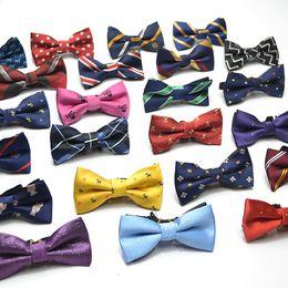 Accessori Moda Bambino Gentleman cravatte a farfalla Plaid Flower Polka Dot Stripe bambini Bowknot Inghilterra legame dei bambini del partito 39 colori C5775 in Offerta