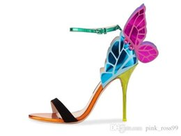 O envio gratuito de senhoras de couro 10 sandálias de salto alto fivela Rose sólidos 3D borboleta ornamentos Sophia Webster peep-toe colorido siz34-42 venda por atacado