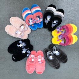 Toptan satış yeni bayan kürklü terlikler avustralya kabartıp mulitcolor slayt tasarımcı evetugggündelik botlar moda bayan sandalet kürk slaytlar terlik