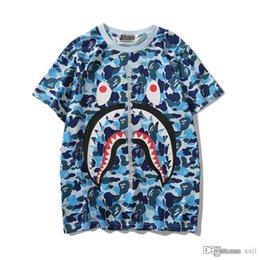 $enCountryForm.capitalKeyWord NZ - 19FW New Lover Green Pink Blue Camo Zipper Shark Print T-Shirts Men Women Personality Short Sleeve T-shirts Sizes M-2XL