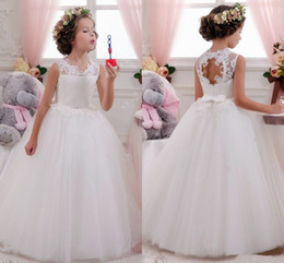 Green Ribbon Bows Australia - Costume Lace bow Flower Girl Dresses for Wedding dress Sequined applique ribbon Princess Dress diamonds ball gown Kids First Communion Dress