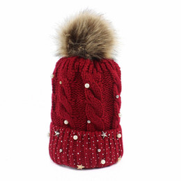 Chinese  Winter twist knitted wool cap simple leisure ladies ball cap pearl accessories popular Korean version outdoor manufacturers