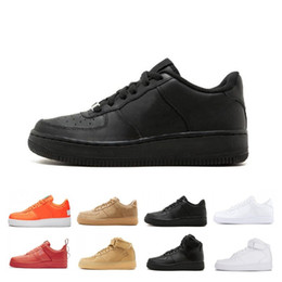 $enCountryForm.capitalKeyWord NZ - New Utility Black White Dunk Men Women Running Casual Shoes Red one Sport Skateboarding High Low Cut Wheat Trainers Sneakers