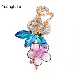 Crystal Rhinestone Flower Brooches Australia - Young Tulip 2019 New Colorful Flower Petal Crystal Rhinestone Delicate Jewelry Brooches Pin Accessories for Ladies