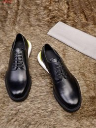 media keys Australia - Latest Low-key costly men Genuine leather shoes Imported cowhide fabric leather Men classic Business etiquette shoes