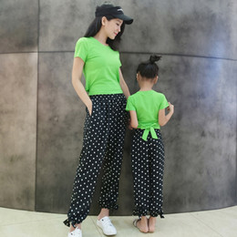 $enCountryForm.capitalKeyWord Australia - 2019 Polka Dot Pants Green T Shirt Sets Matching Mother Daughter Clothing Outfits Summer Short Sleeve Top Bow Back Black Pants