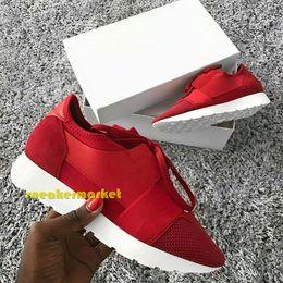 b54c9cab294 Marca popular Zapato casual Hombre Mujer Zapatillas de deporte baratas Moda  Colores mezclados Rojo Azul Desnudo Entrenador de malla Zapatos de  diseñador ...