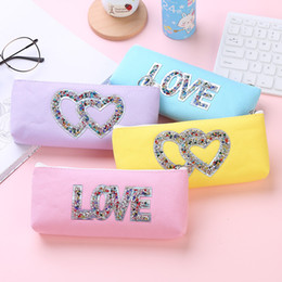 $enCountryForm.capitalKeyWord Australia - Sequin Heart Pencil Case for girls Cute Love laser pencil box Stationery Pouch Storage pen bag School Supplies