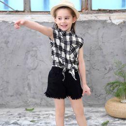 $enCountryForm.capitalKeyWord Australia - 2019 ins New Girls Cotton Black and White Checker Sleeveless shirt+ Leisure Shorts Suit Two Kids Suit