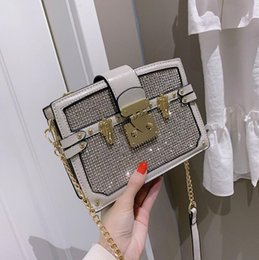 foreign cell phones 2019 - Factory direct brand women handbag fashionable foreign style diamond hard box bag elegant temperament diamond Chain bag