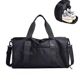 b4acc2cf4618 Черный тренажерный зал сумка мужчины Спорт фитнес сумка мужчины тренажерный  зал спортивная подготовка женщины открытый путешествия сумки женщины йога  плеча ...