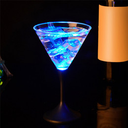 $enCountryForm.capitalKeyWord Australia - 250ml Led Auto Color Changing Wine Cup Bar Party Water Activated Flashing Rocks Cocktail Cups Funny Drinkware Bar Tool
