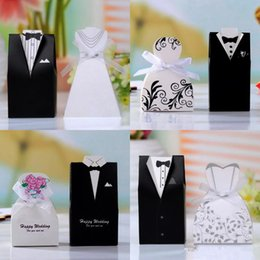 Wholesale Boxes Australia - Cute Bride And Groom Wedding Favors Sets Candy Box Wedding Gifts Packaging For Guests Wedding Supplies Bridal Shower Box Favors Holders