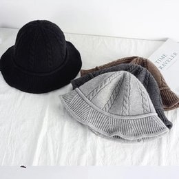 Wholesale 2019 spring new hat female wool simple simple British small twist knitted hat female has dark gray wine red suitable for daily wear