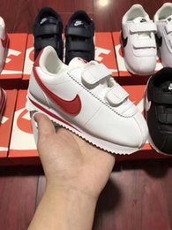 Fashionable Flat Shoes Laces Canada - Mai 2018 Fashionable Spring Autumn Hot Sell Kid Flat Shoes Magic Sticker Soft Bottom Comfort Sneakers Boy Tide Outdoor Sport 22-35 Code